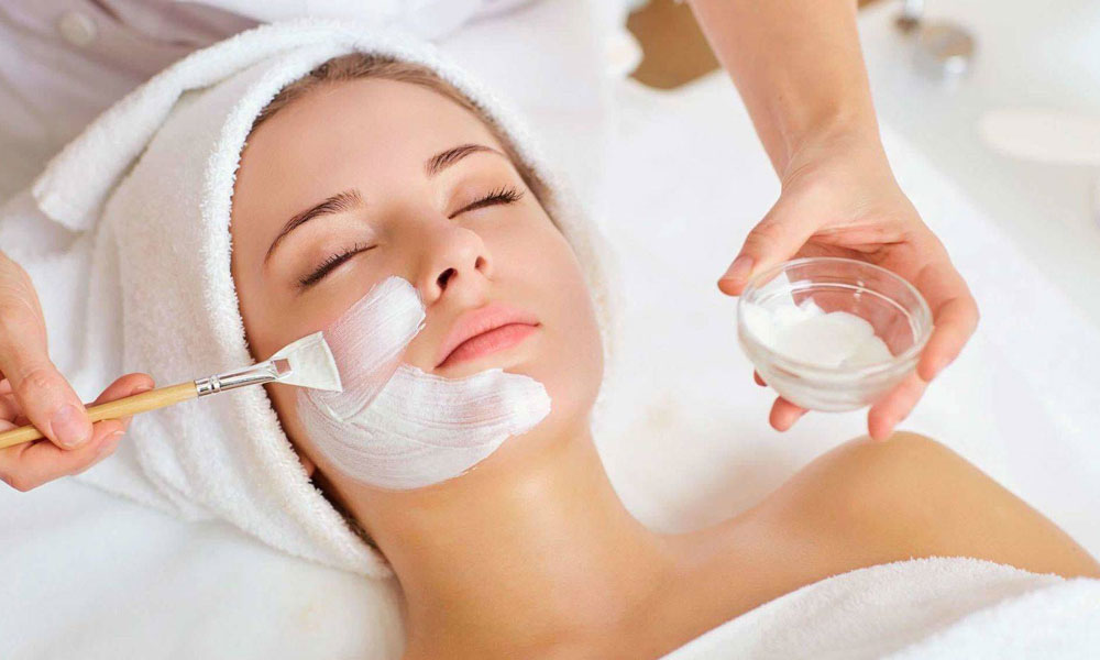 Facial Treatment at Beauty & Complimentary  						Health